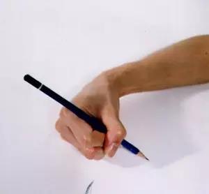 八种错误写字姿势-扭转型