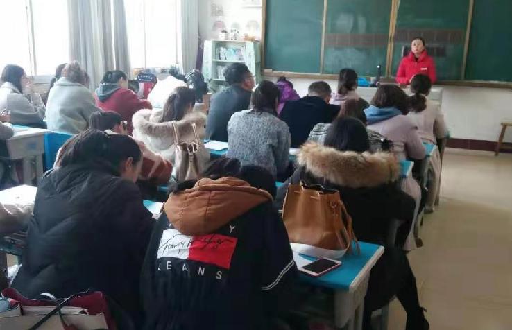 锋格练字走进栖霞实验小学,与老师们一起学习探讨少儿硬笔书法!